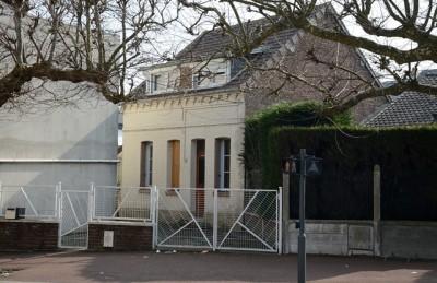 Recherche maison de ville à 5 mn du centre de Dieppe, proche de la gare et de tous les commerces, écoles, bus, port et plage.