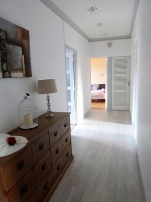 Terres et Demeures de Normandie, votre agence immobilière située à Dieppe, 76 Seine Maritime, vous invite à découvrir cette appartement spacieux et confortable, proche des commerces, de la gare, de la plage. Bien soumis au statut juridique de la Copr