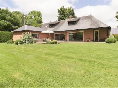 A vendre belle maison d'architecte coup de coeur, 4 chambres, à 15 minutes de la mer de Veules-les-Roses (76), en Normandie