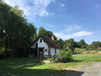 Vend ancien corps de ferme près de Livarot