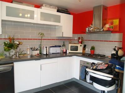 appartement avec chauffage individuel au gaz cambremer 14340 terres et demeures de normandie. Black Bedroom Furniture Sets. Home Design Ideas
