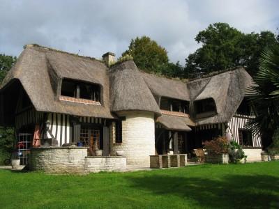 Acheter maison toit de chaume ventana blog for Acheter des maisons